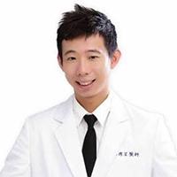 廖偉呈 藥師